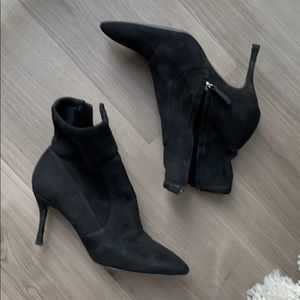 Like new faux suede ankle booties